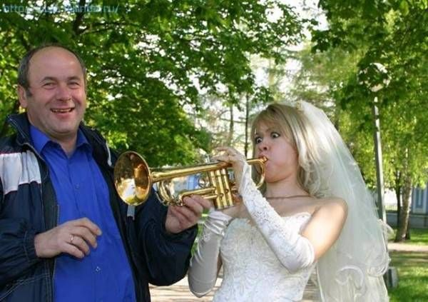 Друзья жестоко ебут невесту на глазах у жениха